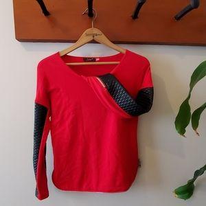 Dex top w/ vegan leather sleeves & zipper detail